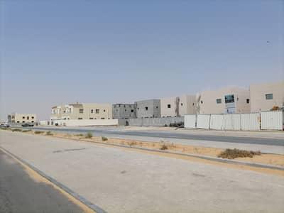 ارض سكنية  للبيع في العالية، عجمان - تملك أرض لبناء فيلا في منطقة العالية على شارعين