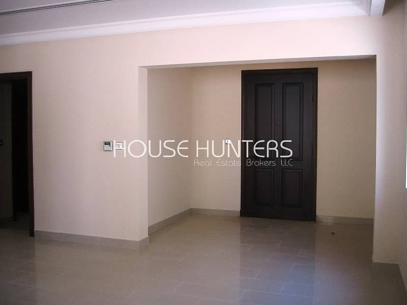 2 Type 4 | Great Location | Vacant July | Casa