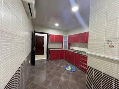 فلیٹ 2 غرفة نوم للايجار في مدينة الفلاح، أبوظبي - شقة في مدينة الفلاح 2 غرف 50000 درهم - 5130433