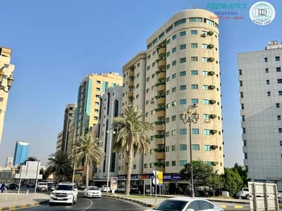 شقة 2 غرفة نوم للايجار في الجبيل، الشارقة - SPACIOUS 2 B/R Hall flat with 1 1/2 bath and balcony,  Sea view in Corniche area, Al jubail