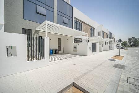 3 Bedroom Villa for Sale in Jumeirah Golf Estate, Dubai - Water View | Spacious | Maids Room