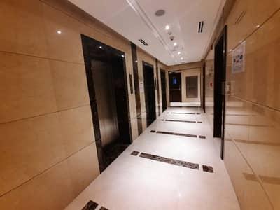 استوديو  للايجار في منطقة الكورنيش، أبوظبي - شقة في برج محمد بن راشد - مركز التجارة العالمي منطقة الكورنيش 39999 درهم - 5131837