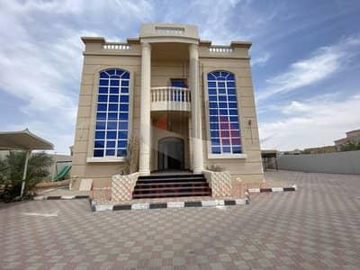 4 Bedroom Villa for Rent in Zakher, Al Ain - Sophisticated Private Villa with Balcony