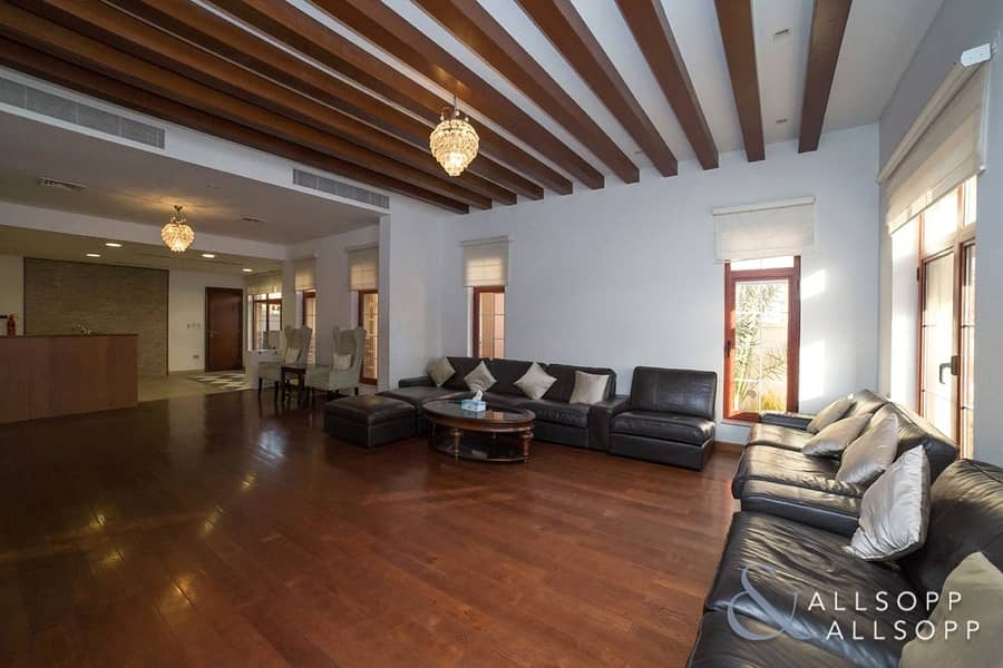 26 5 Bed Mansions | Large Plot | Private Pool