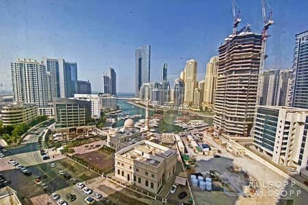 2 Bedroom Flat for Sale in Sheikh Zayed Road, Dubai - Generous Balcony Space | Motivated Client