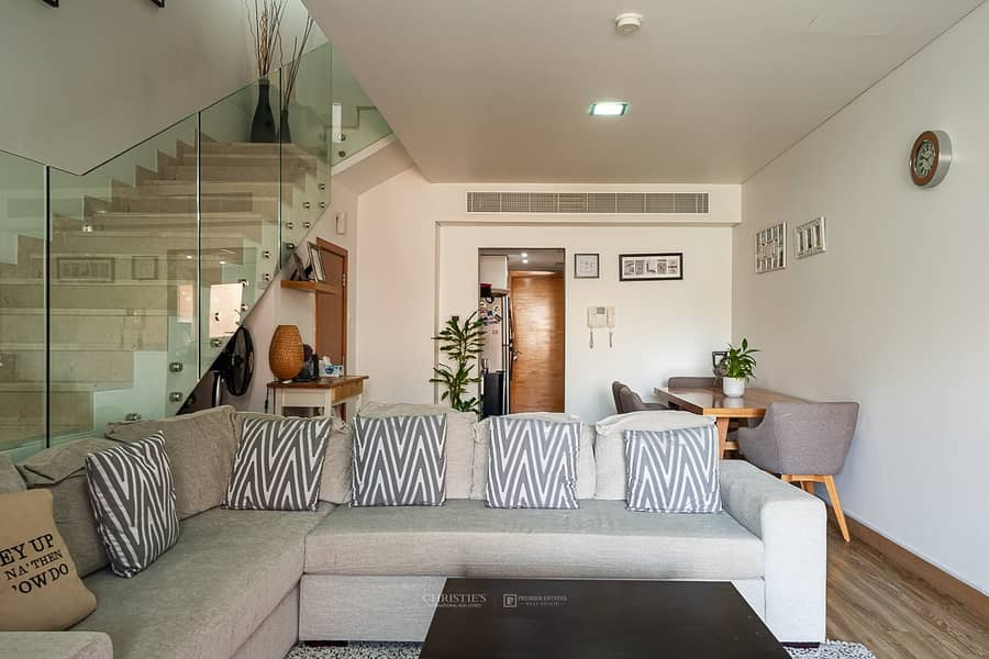 4 Master Bedrooms with en-suites and Balcony