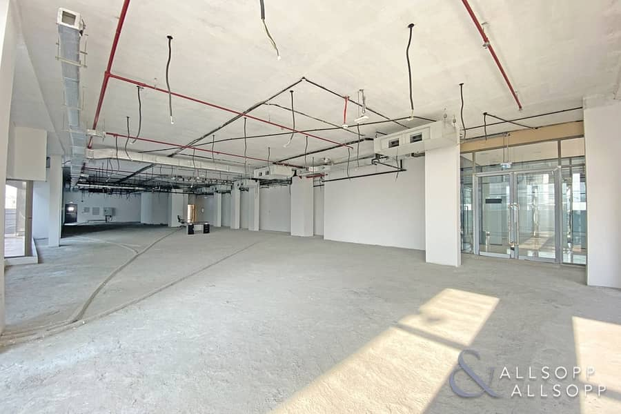 13 Prime Location | Brand New | High Celing