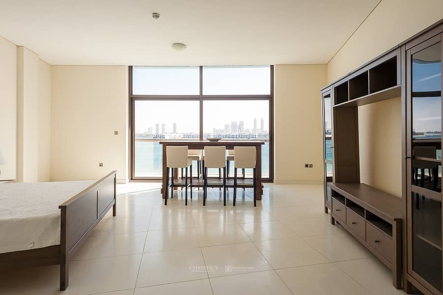 2 Furnished Spacious apt with 6 Cheques|On the Beach