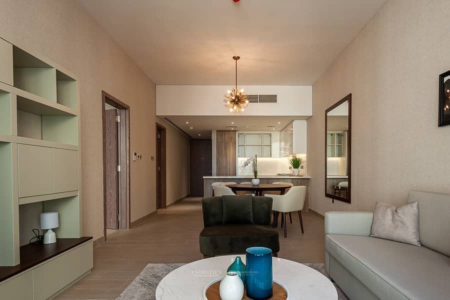Luxury 1BR in Newest Chic Building in Marina