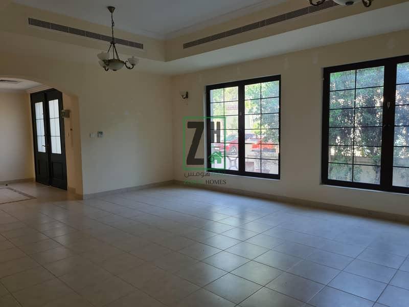 2 Large 6 bed villa in quiet compound | Khalifa Park Area