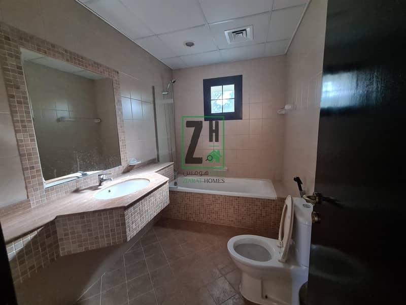 16 Large 6 bed villa in quiet compound | Khalifa Park Area