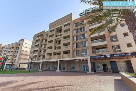محل تجاري  للايجار في میناء العرب، رأس الخيمة - Large Retail Location with Spectacular Lagoon Views - Free Rent for Buildout