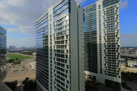شقة 1 غرفة نوم للايجار في مدينة زايد الرياضية، أبوظبي - Cozy One Bedroom Apartment with Balcony for Rent!