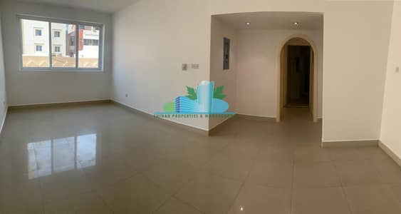 2 Bedroom Flat for Rent in Hamdan Street, Abu Dhabi - Well Maintained 2BHK  Balcony  Community View  4 Payments