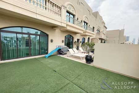 3 Bedroom Apartment for Sale in Palm Jumeirah, Dubai - 3 Beds   Vacant on Transfer    4380 Sq.Ft