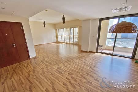 شقة 3 غرف نوم للبيع في جميرا بيتش ريزيدنس، دبي - Upgraded | Vacant On Transfer | Three Bed