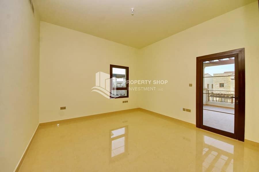 2 Splendid Huge Layout Villa  w/ Rent Refund & Modern Lifestyle !