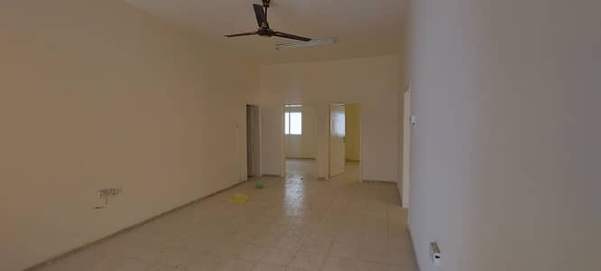 4 Bedroom Villa for Rent in Al Sabkha, Sharjah - 4 bedroom hall villa for rent in Al Sabkha