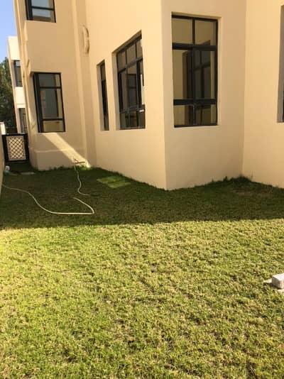 فيلا مجمع سكني 4 غرف نوم للايجار في مدينة شخبوط (مدينة خليفة ب)، أبوظبي - 4 غرف نوم جميلة مع غرفة خادمة في الفناء الخلفي في مدينة شخبوط. [