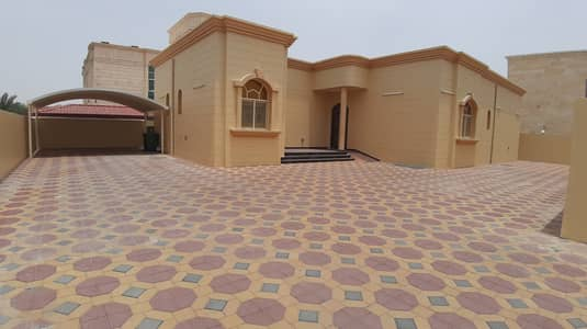 3 Bedroom Villa for Rent in Al Zakher, Al Ain - 3bhk ground floor villa in Zakher including water electricity