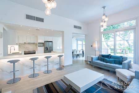فیلا 3 غرف نوم للايجار في الينابيع، دبي - Fully Upgraded | Private Pool | Lake View