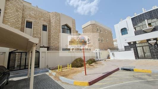فیلا 5 غرف نوم للايجار في شارع الدفاع، أبوظبي - All Master's Room w/ Maid's RM in Prime Location