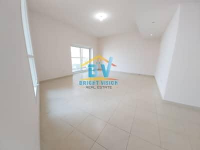 فلیٹ 3 غرف نوم للايجار في منطقة الكورنيش، أبوظبي - Iconic and Amazing 3 BHK  Duplex Maids   Huge Balcony    Corniche