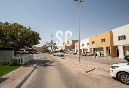 4 Bedroom Villa for Rent in Al Reef, Abu Dhabi - Well Priced | Beautiful Garden | Prime Location