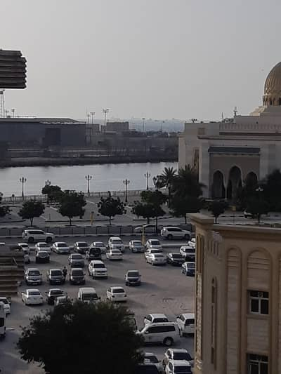 Studio for Rent in Al Mujarrah, Sharjah - HOT OFFER SPACIOUS STUDIO FLAT AVAILABLE WITH BALCONY CENTRAL AC AND GAS