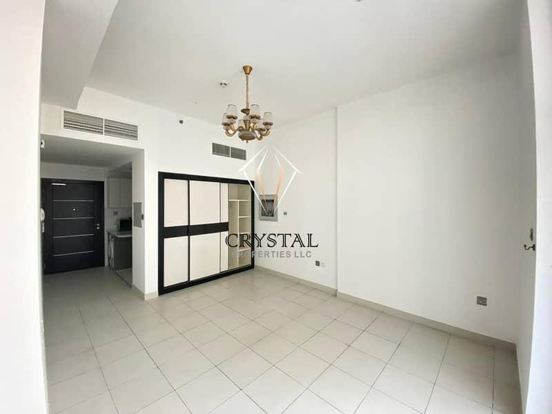 2 Stunning Studio Apt with full kitchen appliances  Glitz Residence 2