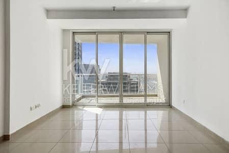 استوديو  للايجار في أبراج بحيرات الجميرا، دبي - Balcony Movenpick Lake view Attractive price