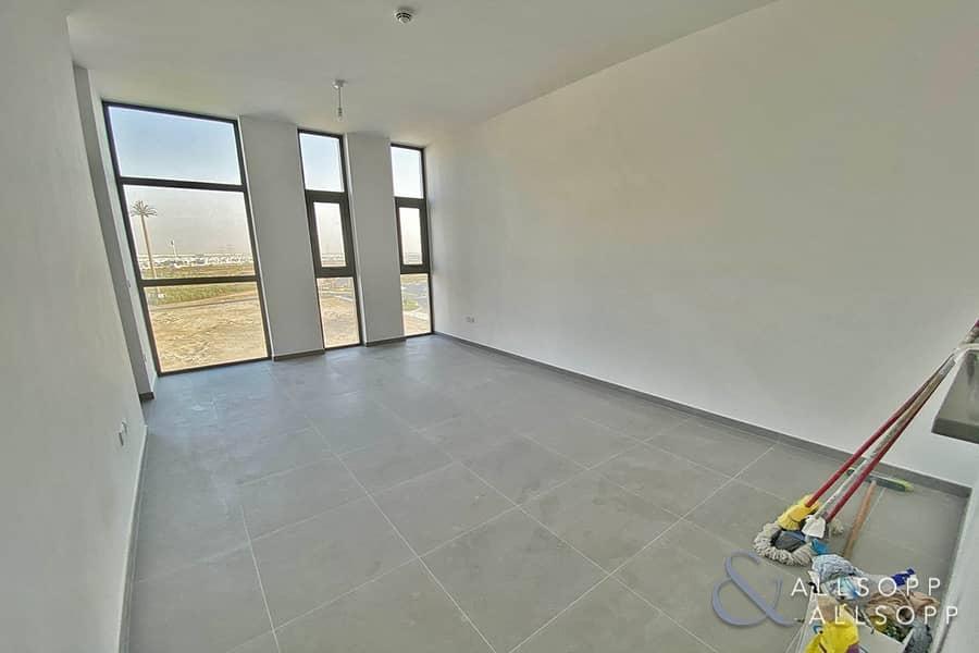 2 Modern | 1 Bedroom | Vacant Now | Balcony