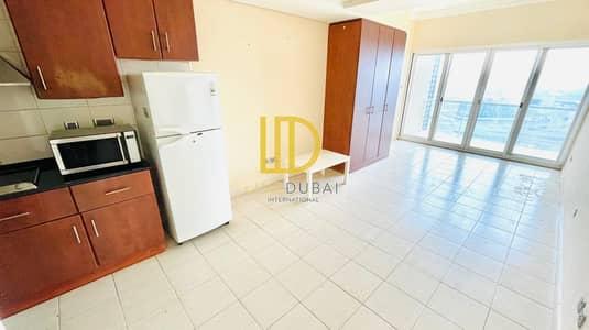 Studio for Rent in Jumeirah Lake Towers (JLT), Dubai - JZ - Balcony - Lake View - Kitchen Appliances