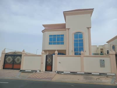 4 Bedroom Villa for Sale in Al Hamidiyah, Ajman - Villa for sale Al Hamidiyah 2, high-end finishing, a privileged location close to all government services and interests, and close to Mohammed Bin Zayed Street, with electricity and water