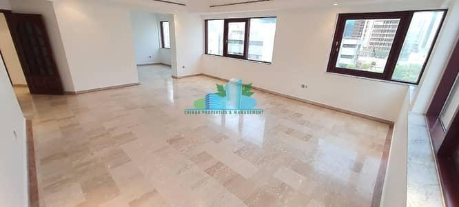 شقة 3 غرف نوم للايجار في الخالدية، أبوظبي - EXTRA LARGE 3 BHK Maid & Dining-room 4 payments  near corniche