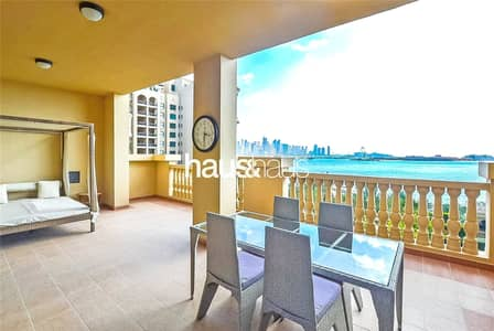 3 Bedroom Flat for Sale in Palm Jumeirah, Dubai - Exclusive | Full Sea View Beach Front Apartment