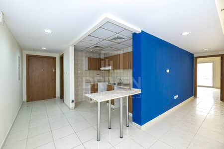 Ready to Move in   Huge and Best Location