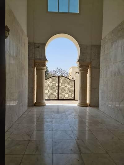فلیٹ 1 غرفة نوم للايجار في الشوامخ، أبوظبي - Very Specious 1 Bedroom and Hall in villa For Rent @ Prime Location