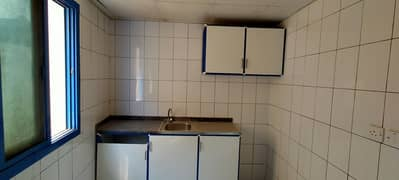 Studio with close kitchen for family just close to Rolla Mall only 10k call M. Hanif