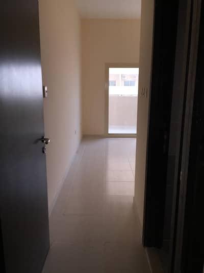 شقة 1 غرفة نوم للبيع في مدينة الإمارات، عجمان - شقة في برج الزنبق مدينة الإمارات 1 غرف 173000 درهم - 5141168