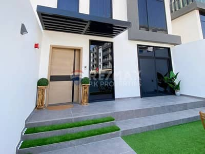 4 Bedroom Townhouse for Sale in Jumeirah Village Circle (JVC), Dubai - Stunningly | Furnished |Vacant on Transfer