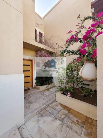 3 Bedroom Villa for Sale in Al Raha Gardens, Abu Dhabi - Nice and Elegant 3br Villa
