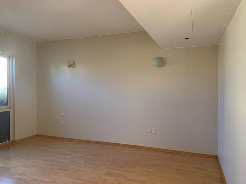 2 3 Bedroom Townhouse Available Now For Rent