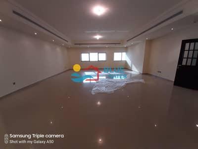 شقة 3 غرف نوم للايجار في المیناء، أبوظبي - Zero Commission 3 Master BHK With facilities