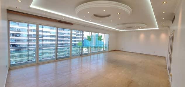 4 Bedroom Flat for Rent in Al Khalidiyah, Abu Dhabi - Huge 4 BHK with 2 Masters & Maid |Huge Hal-room |4 payments