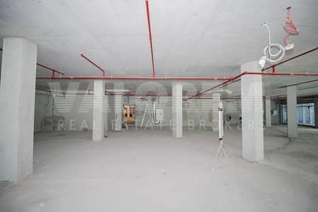 Shop for Rent in Jumeirah Lake Towers (JLT), Dubai - LARGE SIZE I CORNER UNIT I 200 KW I SHELL & CORE