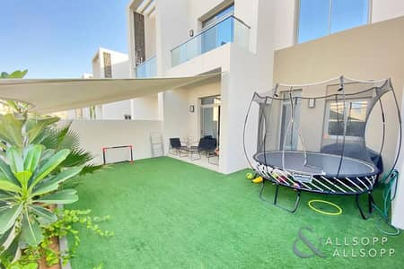 Back To Back | Near Pool And Park | Rented
