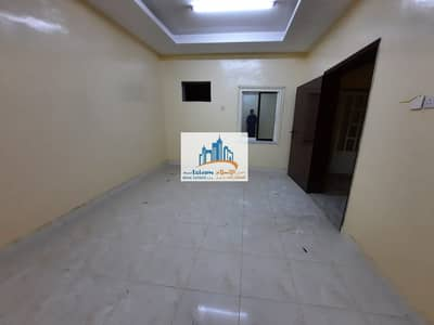 3 Bedroom Villa for Rent in Al Ghafia, Sharjah - VILLA 3 BEDROOMS HALL MAJLIS BEAUTIFUL STORE PARKING