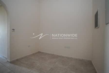 شقة 2 غرفة نوم للايجار في الهيلي، العین - Pay 4 cheques / top quality/ family oriented / free parking