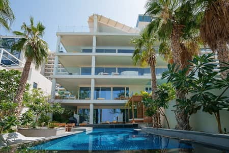 3 Bedroom Townhouse for Sale in Palm Jumeirah, Dubai - Luxurious 3bed + M | Sea View | Private Pool